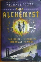 64277. Scott, Michael – The Alchemyst, The Secrets of the Immortal Nicholas Flamel